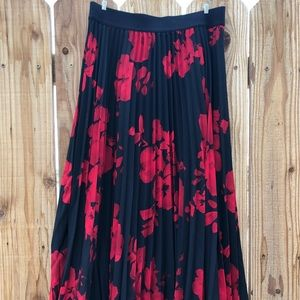 H&M Black and Red Floral Skirt